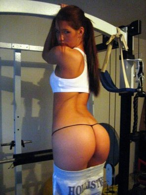 amateur photo Ass out while working out