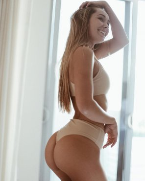 amateur photo Cute butt, cuter smile