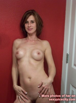 amateur photo Skinny Milf Aaliyah