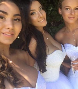 amateur photo PictureBridesmaids