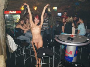 amateur photo Nude at the bar