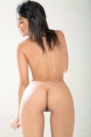amateur photo Camila Saint