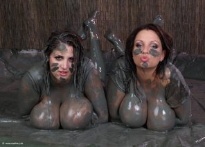 amateur photo Two very muddy girls
