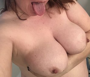amateur photo Woke up crazy horny! Nips hard as diamonds. [Image]