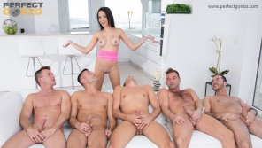 amateur photo Belle Francys multi-blowjob & hot bukkake scene with 5 guys!