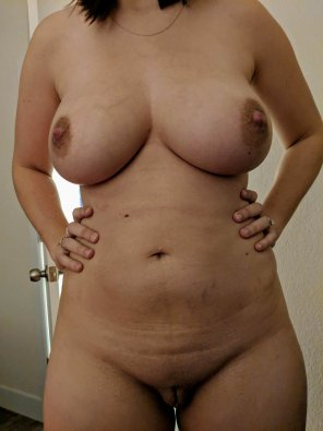 amateur photo Thankful for these curves, looking for some stuffing