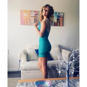 amateur photo PictureTeal dress