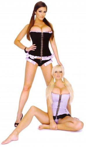 amateur photo Blonde or brunette?
