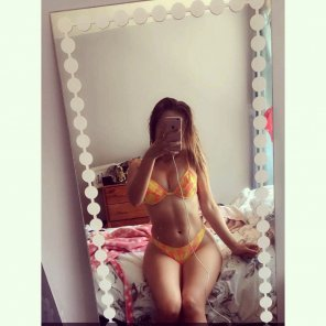 amateur photo PictureOrange bikini
