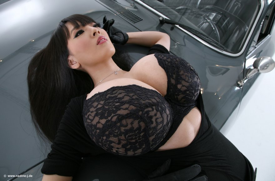 What is Hitomi thinking about? Porn Photo