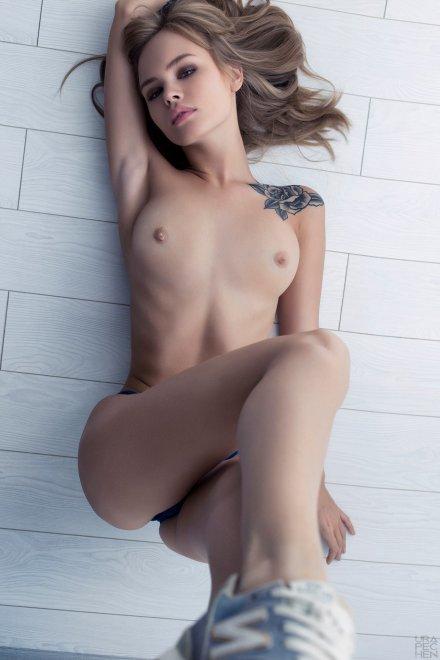 Shoulder tat Porn Photo
