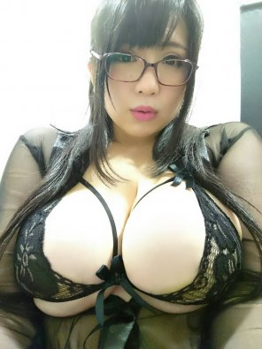 amateur photo Glasses and big tits, what's not to love