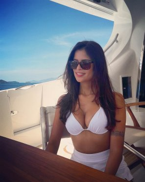 amateur photo PictureWhite bikini