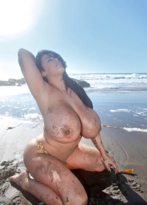 amateur photo Beach Lady