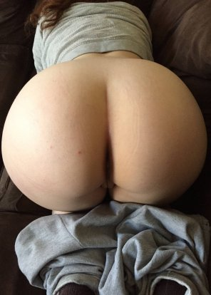 amateur photo Big Round Ass In Sweats