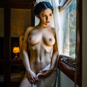 amateur photo Open the curtains