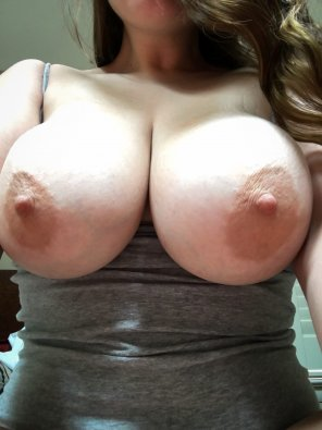 amateur photo [f] My tits just don't like to be covered up..