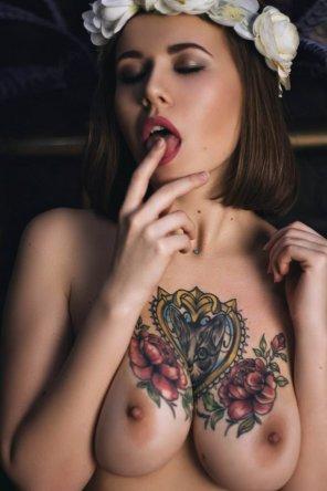 amateur photo Tats on tits