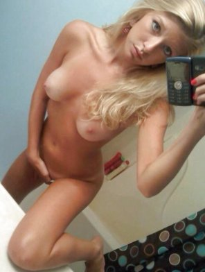 amateur photo Really cute blonde.