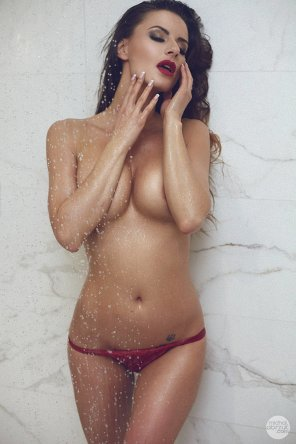 amateur photo Martyna in the shower