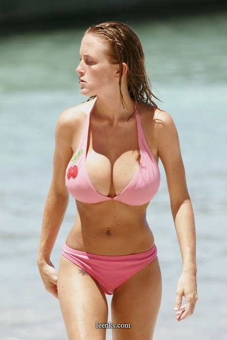 big-tits-in-the-beach-hard