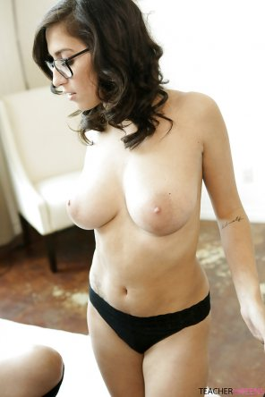 amateur photo Topless April O'neil