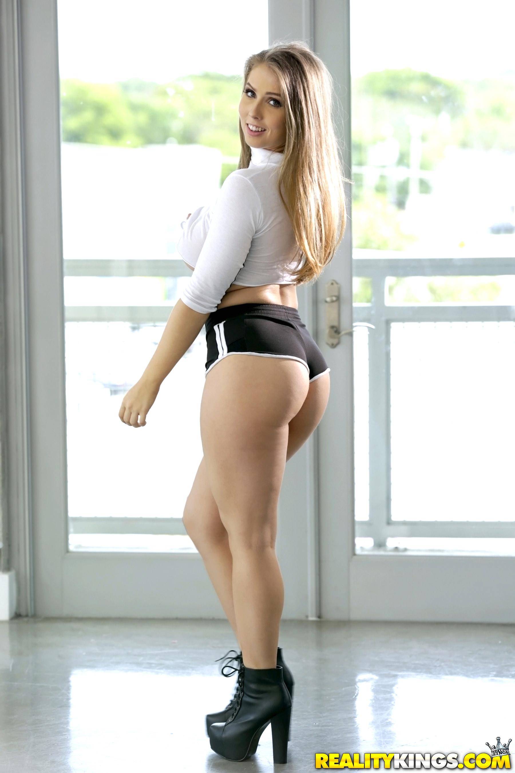 Teen Booty Shorts Twerk