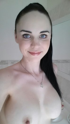 amateur photo PicturePale Titties