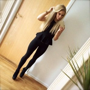 amateur photo Sexy Blonde in black