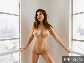 amateur photo Leah Gotti is a complete babe