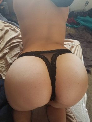 amateur photo 10/10 ass 1/10 room