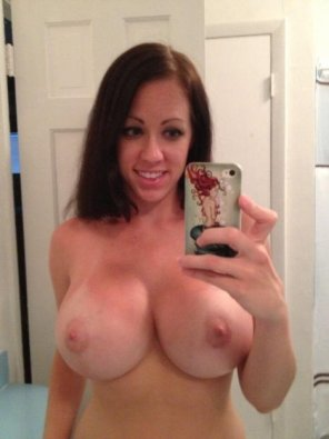 amateur photo She needed to take a selfie