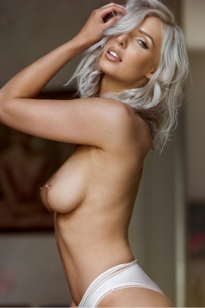 amateur photo Grey haired hottie