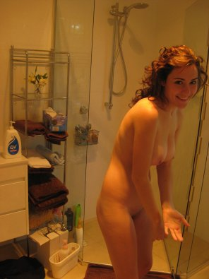 amateur photo Cutie in the bathroom