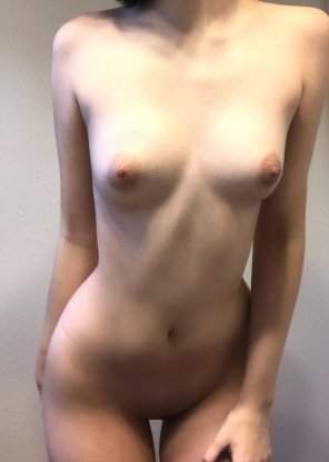 amateur photo had to take a quick picture before i shower [F18]