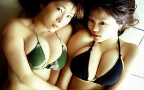 amateur photo Two juicy babes