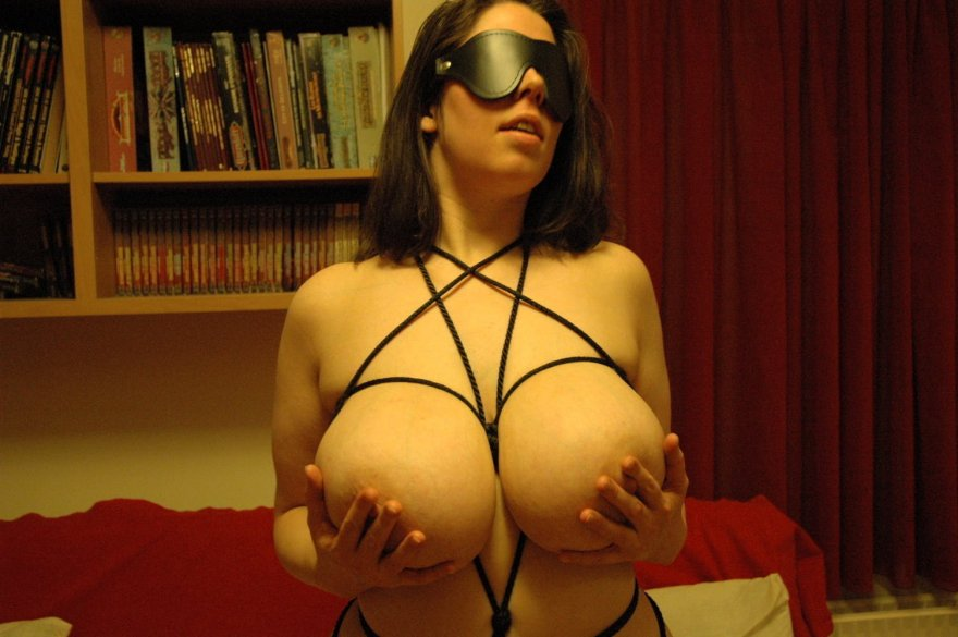 Blindfolded Porn Photo