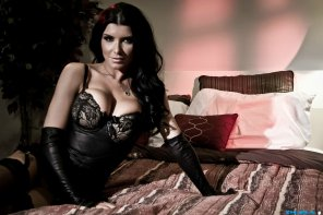 amateur photo The Sultry and Seductive Romi Rain