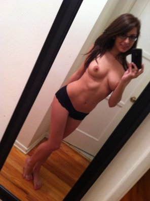 amateur photo Topless Brunette Selfie