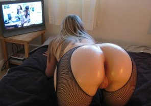 amateur photo she likes watch tv