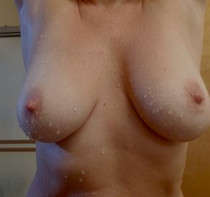 amateur photo Wet tits