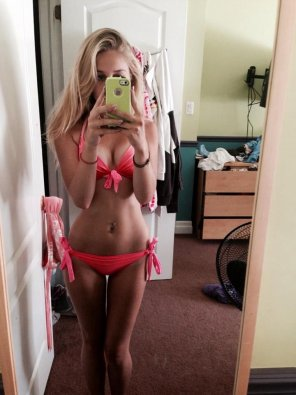 amateur photo Slender in pink