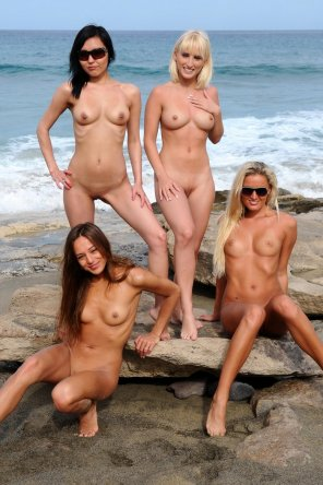 amateur photo 4 Ladies on a Rocky Beach