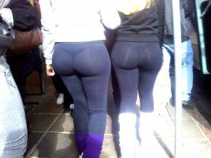 amateur photo Nice asses in leggings