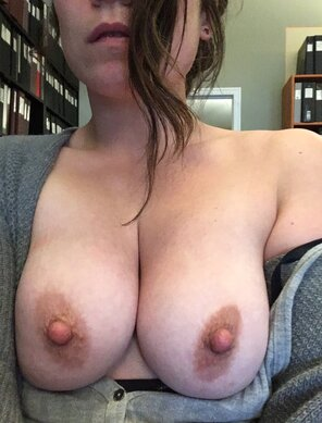 amateur photo Work boobs are the best boobs [F30]