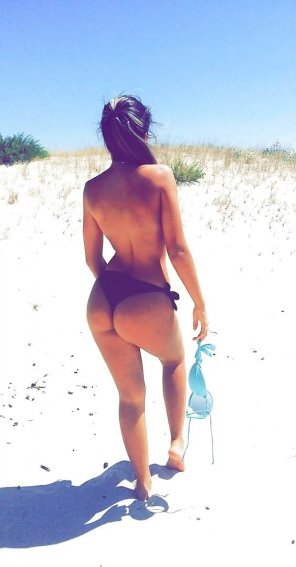 amateur photo Topless Beach Booty