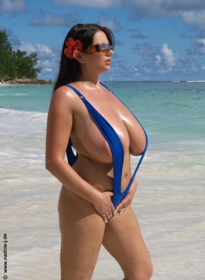 amateur photo Nadine Jansen making a tropical paradise even better