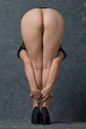 amateur photo bracing her legs