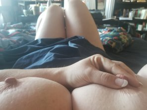 amateur photo My hubby knows I'm bi, and that I really miss the taste of a woman... Wanna be my FWB?