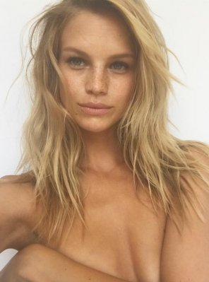 amateur photo Nadine Leopold